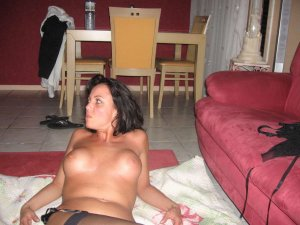 Fleurentine topless escorts in Greentree