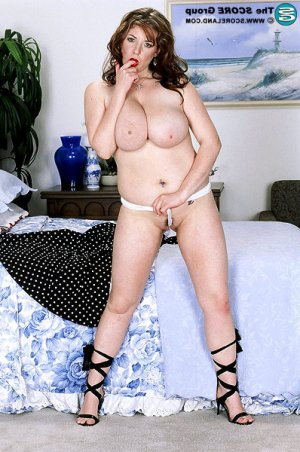 Ryhem milf escorts in Woodcrest, CA